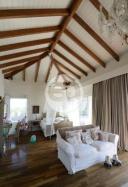 Casa sobre la playa en La Barra El Chorro. Punta For Sale 1283598