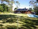 Casa con piscina en Punta Del Este Cantegril. Punta For Sale 1279668