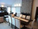 Casa con piscina en Punta Del Este Cantegril. Punta For Sale 1279674