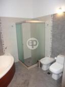 Casa con piscina en Punta Del Este Cantegril. Punta For Sale 1279675