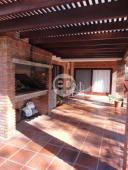 Casa con piscina en Punta Del Este Cantegril. Punta For Sale 1279685