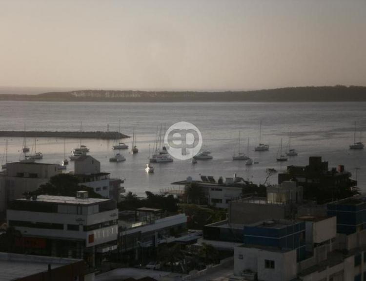 Piso alto en Punta Del Este Península. Punta For Sale 1302351