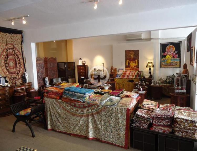 Amplio local en Punta Del Este Península. Punta For Sale 1280560