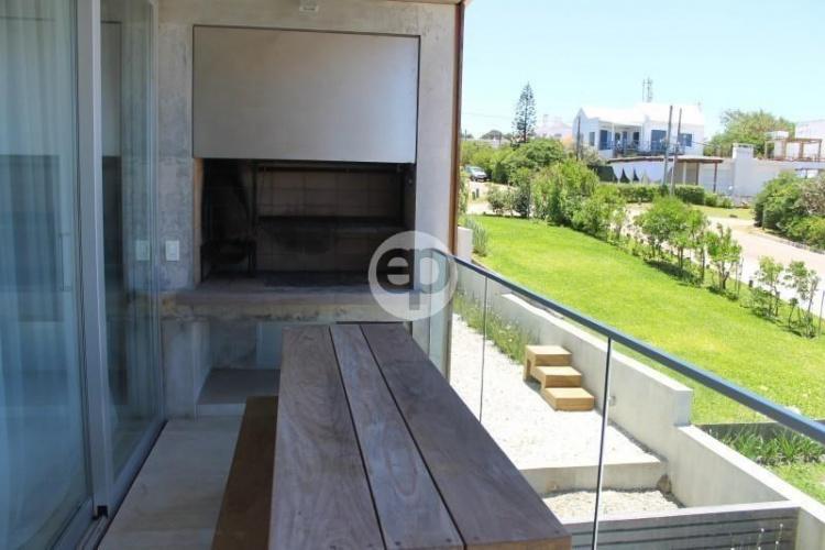 Casa en La Barra. Punta For Sale 1278458