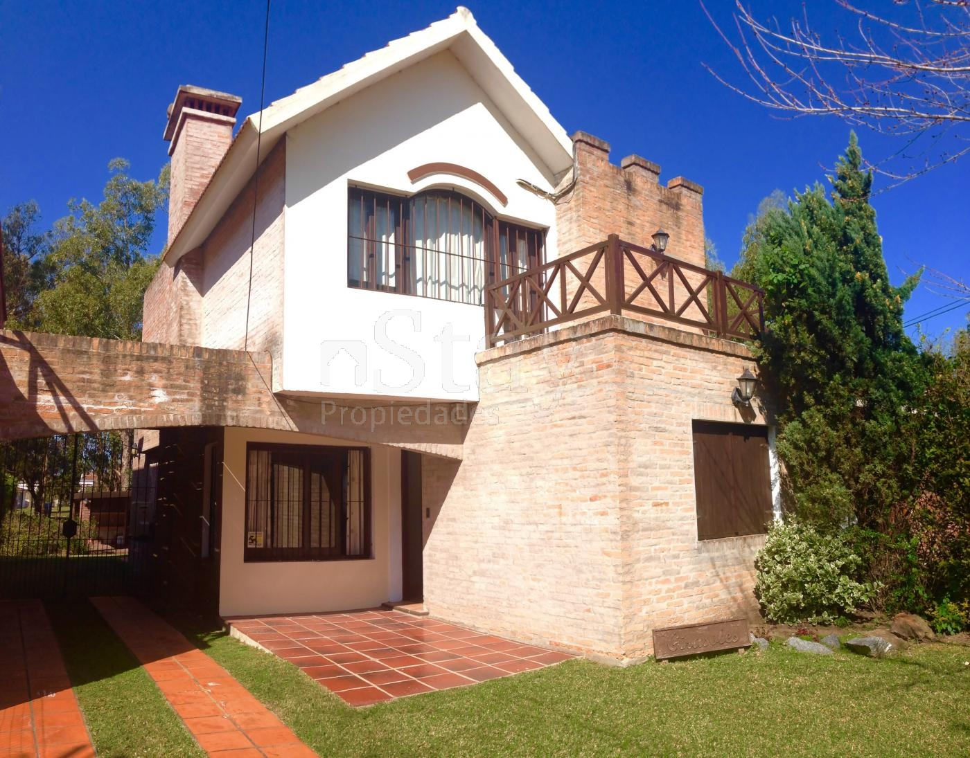 Casa en Pinares. Punta For Sale 231788