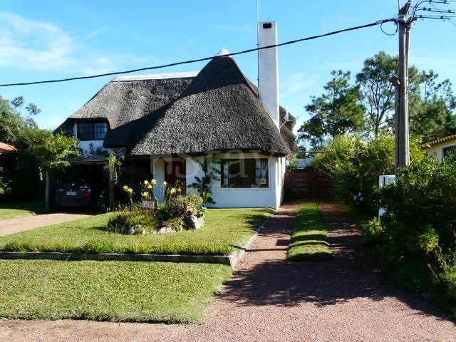 Casa en Punta Ballena. Punta For Sale 189398