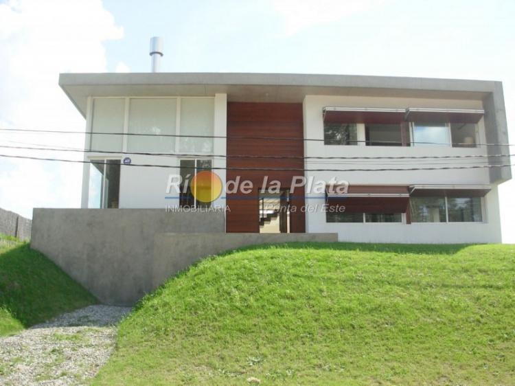 Casa en Punta Del Este. Punta For Sale 1348502