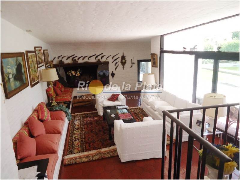 Casa en Punta Del Este. Punta For Sale 1344533