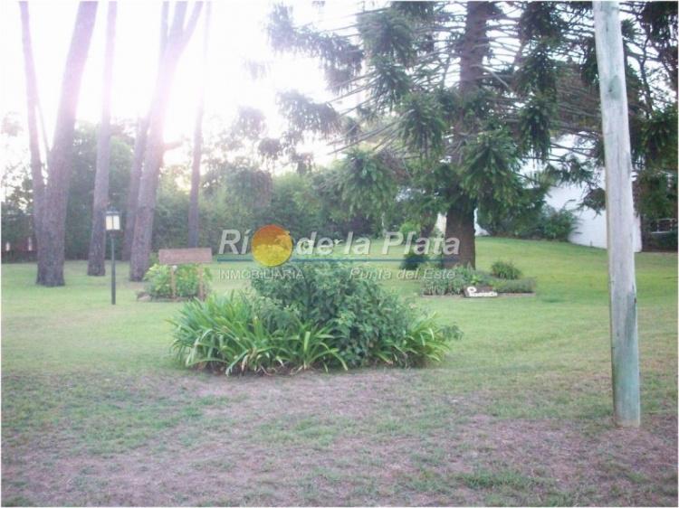 Casa en Punta Del Este. Punta For Sale 1361580