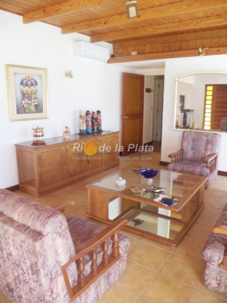 Casa en Punta Del Este. Punta For Sale 1344613