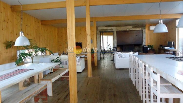 Casa en Punta Del Este. Punta For Sale 1344644