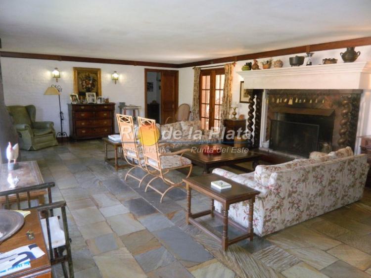 Casa en Punta Del Este. Punta For Sale 1344665