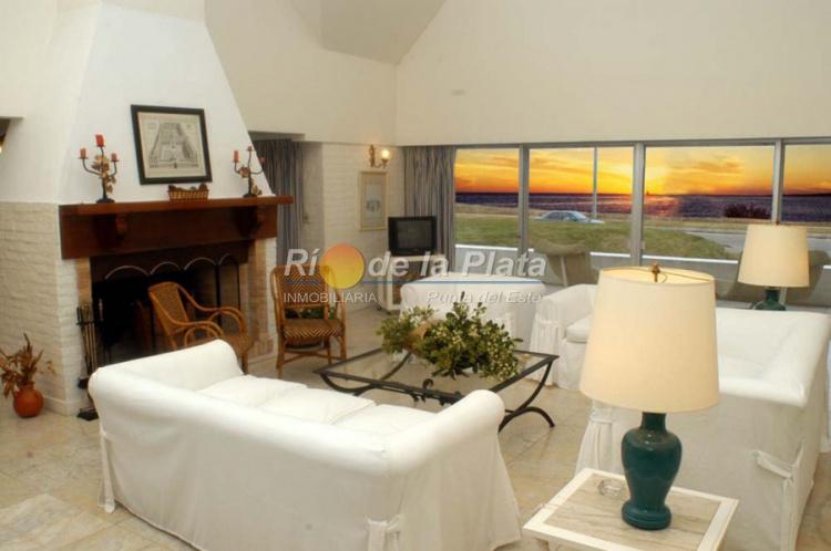 Casa en Punta Del Este. Punta For Sale 1343763