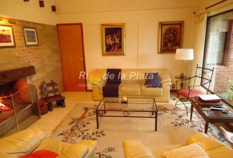 Casa en Punta Del Este. Punta For Sale 1344091