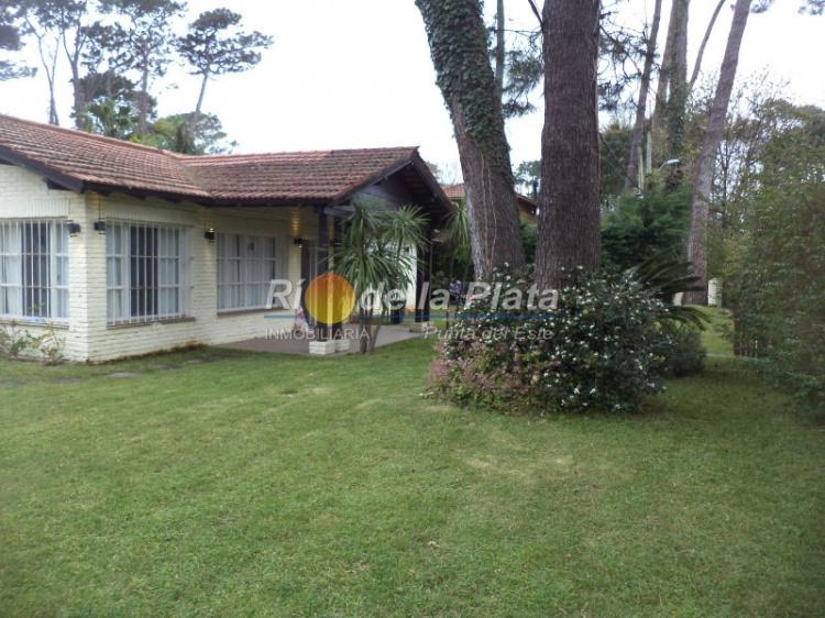 Casa en Punta Del Este. Punta For Sale 1344187