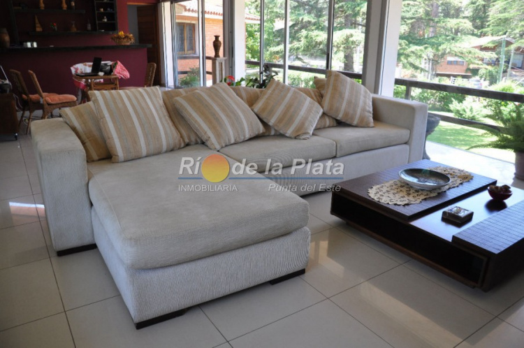 Casa en Punta Del Este. Punta For Sale 1344495