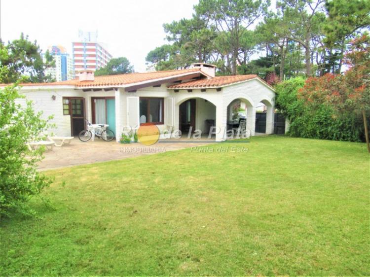 Casa en Punta Del Este. Punta For Sale 1482430