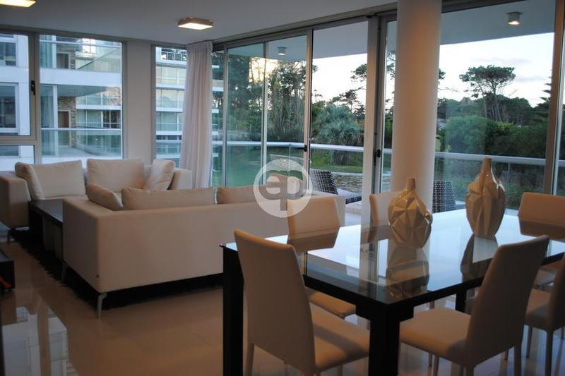 Departamento en Punta Del Este Playa Brava. Punta For Sale 1289083