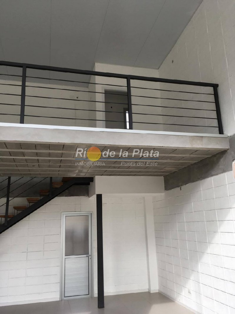 Local en Pinares. Punta For Sale 1345170