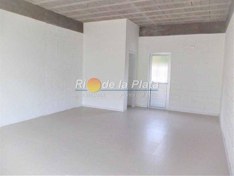 Local en Pinares. Punta For Sale 1345112