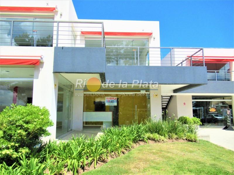 Local en Pinares. Punta For Sale 1465923