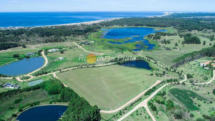 Terreno en La Barra Manantiales. Punta For Sale 1344787